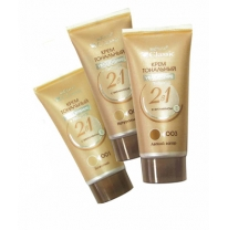 Moisturizing + Nourishing Classic cream make-up foundation 2 in 1 with vitamin E